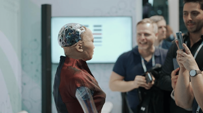 Demo AI robot at MWC19
